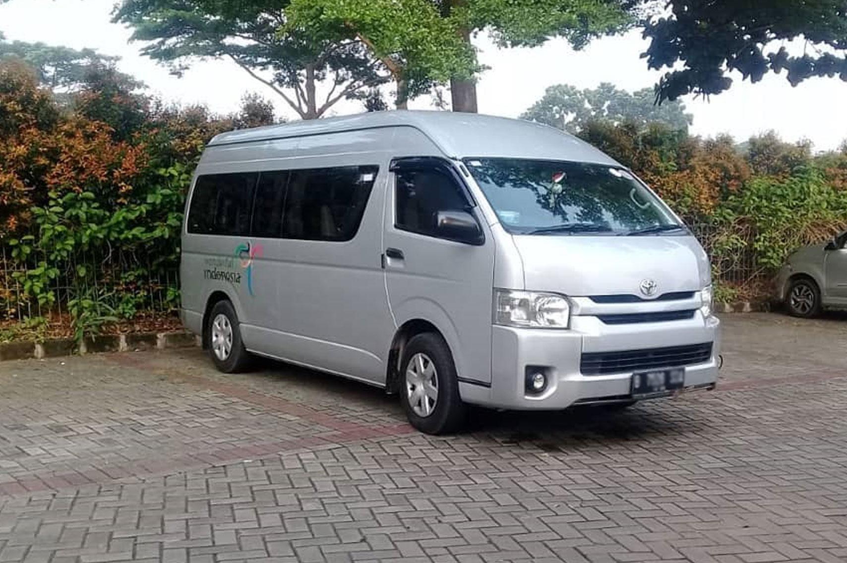 sewa hiace Jakarta shuttle service